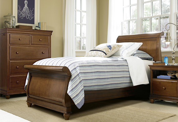 classics 4.0 saddle brown sleigh bed